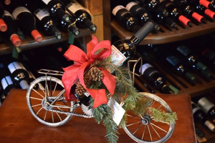 διακοσμητικό ποδήλατο με μία φ. κόκκινο merlot ''φλογερό'' κτήμα Αβέρωφ τιμή 71,00 ευρώ
